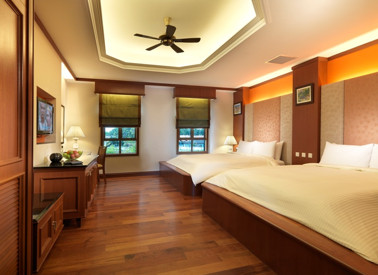 Grand lexis port dickson balinese inspired villas with for Garden pool grand lexis