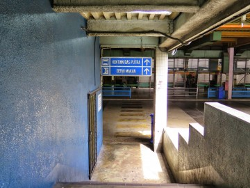 Car park to ticket counters, Putra Bus Terminal