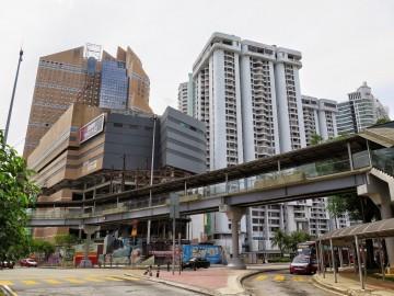 Sunway Putra Place, Pedestrian bridge , Condominium near Putra Bus Terminal