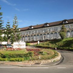 Cameron Highlands Resort, surrounded by tea plantations & strawberries