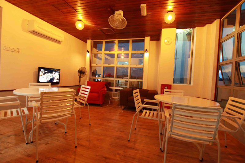 Rest Area, Langit-Langi Hotel
