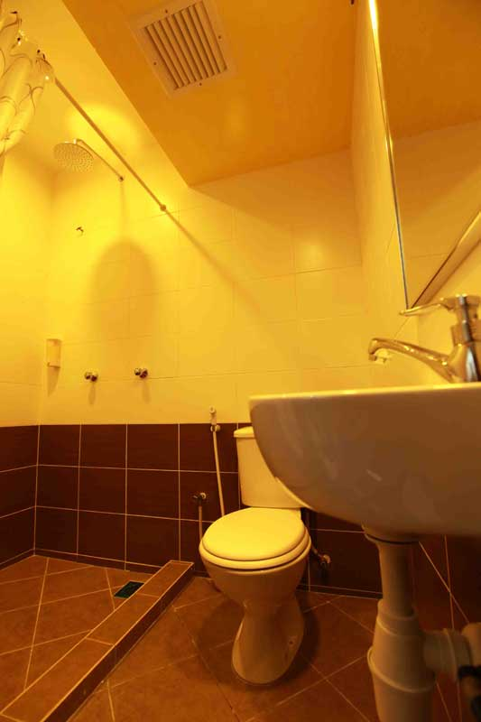 Washroom, Langit-Langi Hotel