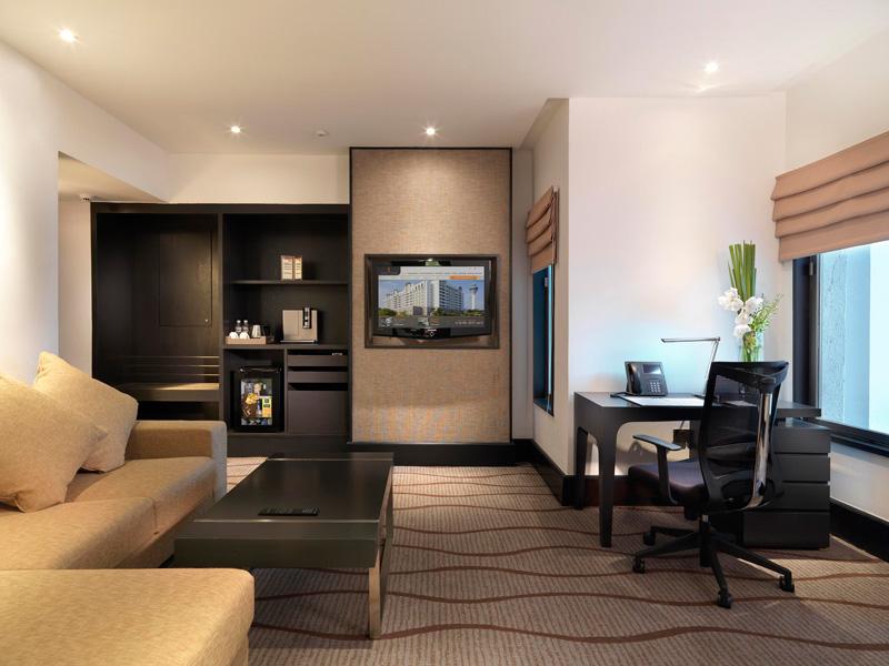 Sama sama hotel klia prize winning 5 star hotel next to for Living room suit
