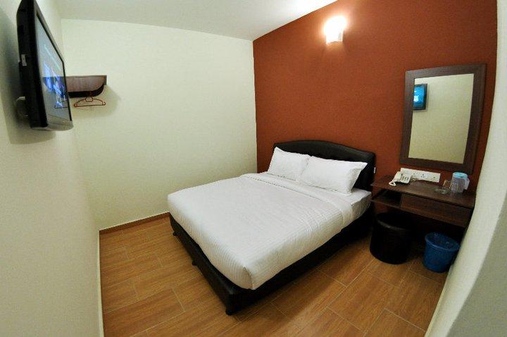 Queen standard, Sepang Budget Hotel