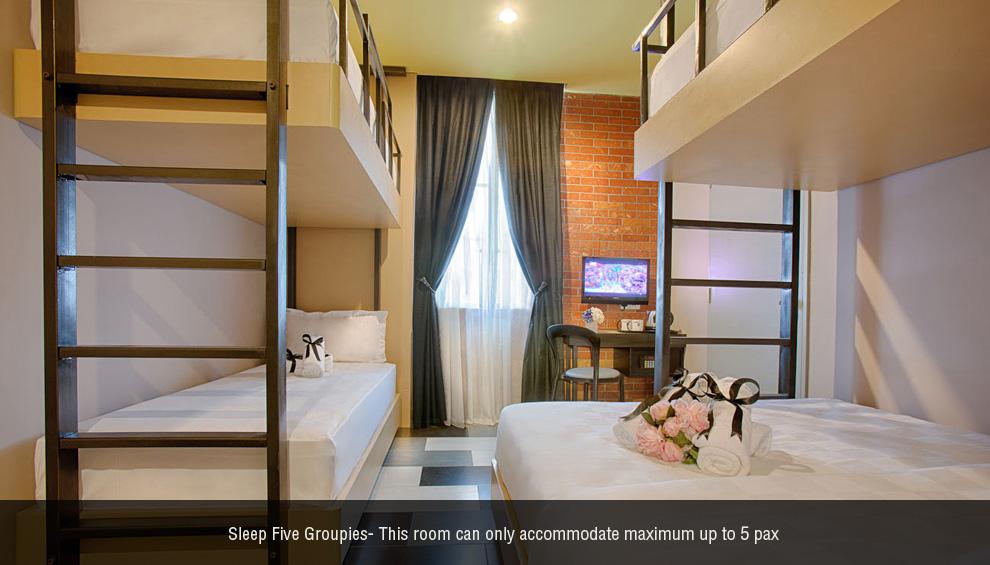 Sleep 5 Groupies room, The YouniQ Hotel