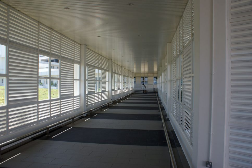 Covered walkway between Tune Hotel and klia2