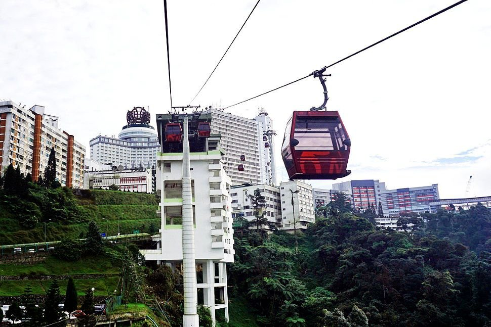 Awana Skyway - a comfortable ride with spectacular view