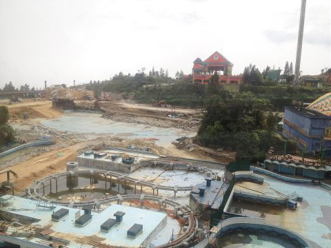 Demolition of old theme park, Dec 2013