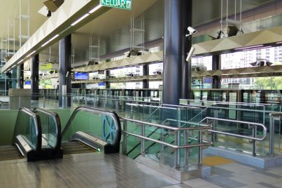 Escalators and stair access to the concourse level
