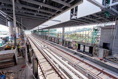 Ongoing construction works at the platform level of the Batu Sebelas Cheras Station including the installation of platform screen doors. Jun 2016