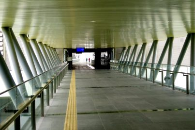 Pedestrian walkway to Entrance B
