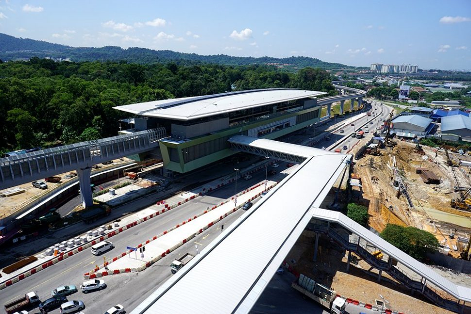 View of the Kampung Selamat MRT Station with its pedestrian link bridge giving access to the nearest development. Sep 2016
