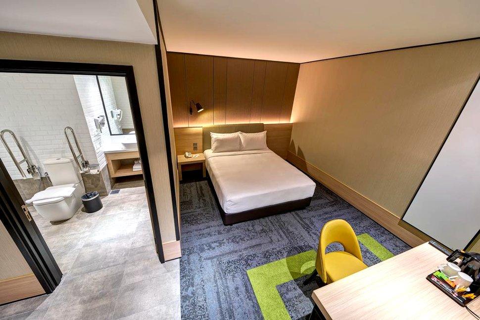 Solo Plus Room
