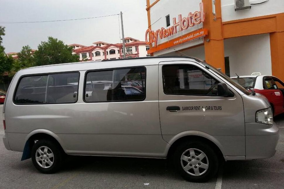 Shuttle transfer between the Hotel and airport